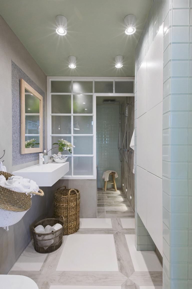Skandinavisk stil på badet