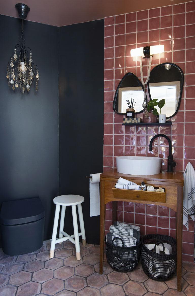 Rustikk og urban stil på badet