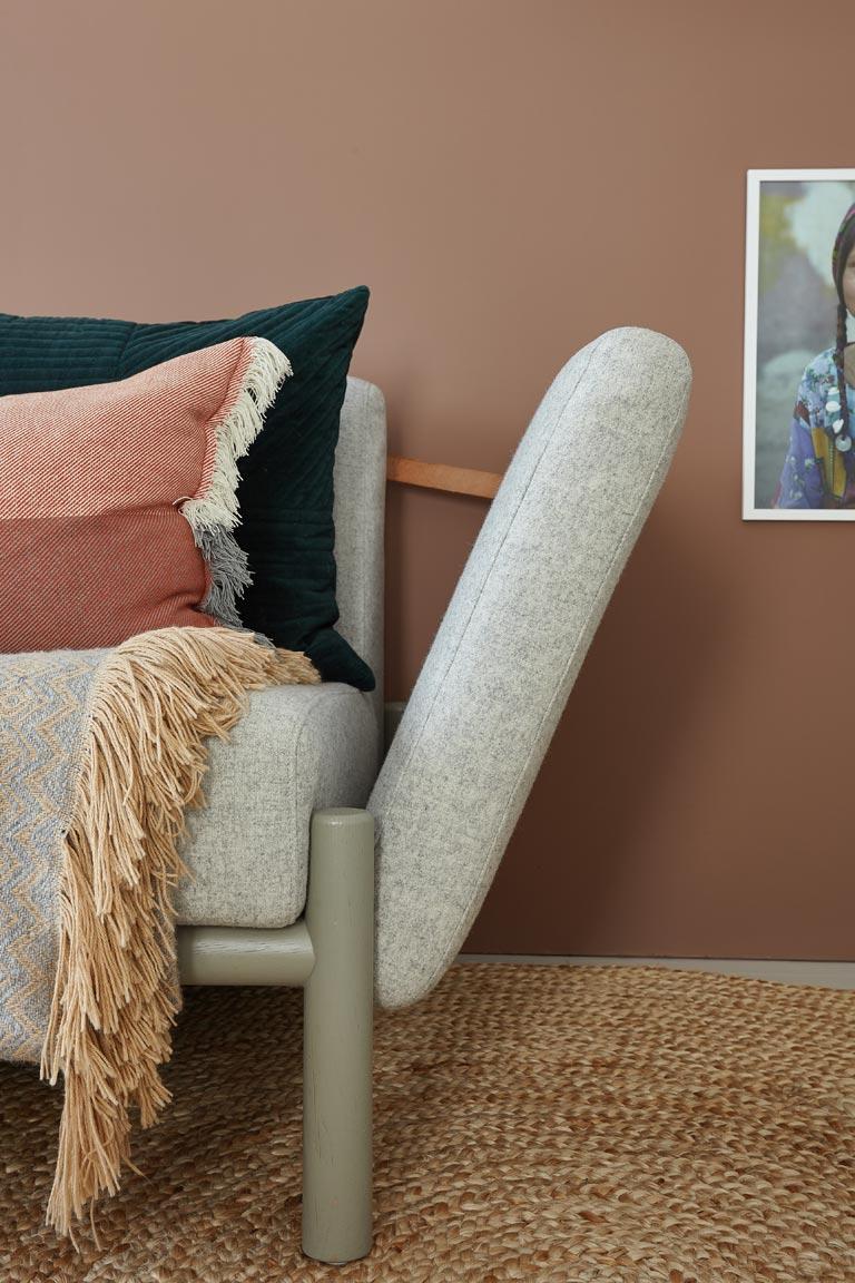 En stue i tre ulike stiler