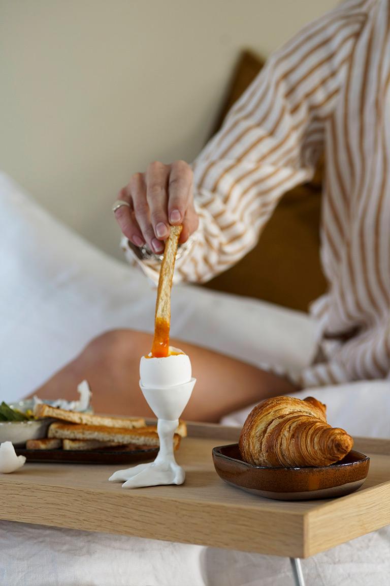 jotun-lady-frukost-i-sängen-